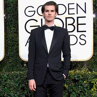 ¡Andrew Garfield y Ryan Reynolds se besan en los Golden Globes!