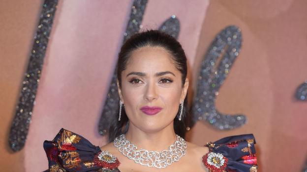 Salma Hayek presume su belleza sin una gota de maquillaje
