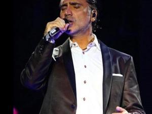 ¡Ya sabemos cuándo saldrá 'Rompiendo Fronteras', el nuevo disco de Alejandro Fernández!