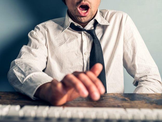 Masturbación en la oficina, sí sucede y mucho