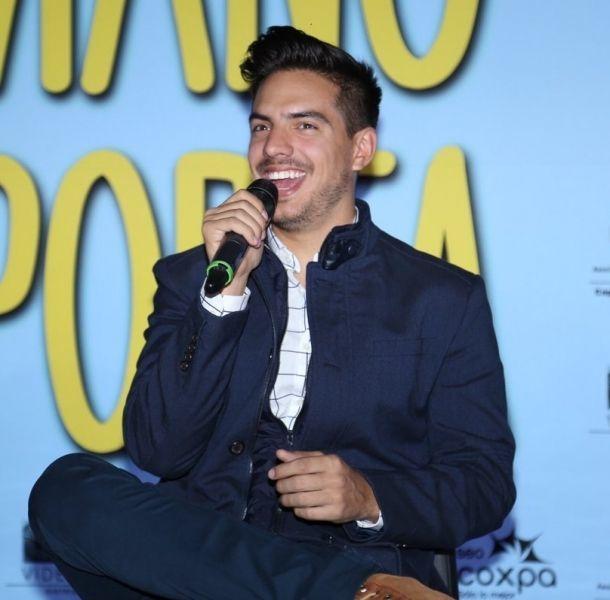 Vadhir Derbez platicó con la prensa sobre la película