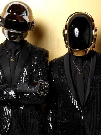 bandas cantantes mascaras identidades daft punk sia