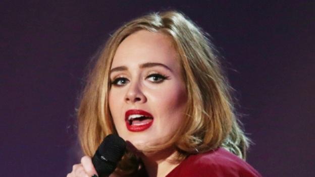 ¡Confirmado! Adele cantará en los premios Grammy 2017