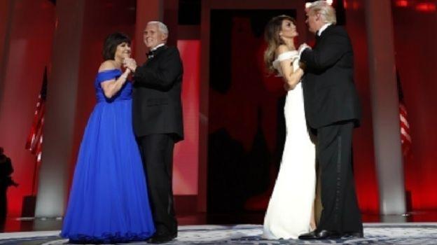 Durante su primera gala presidencial Trump y Melania bailan 'My Way' de Frank Sinatra