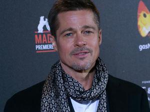 ¡Reemplazó a Angelina Jolie! Brad Pitt ya vive con sexy actriz