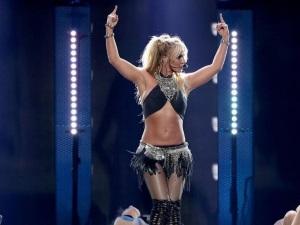 ¿Quieres tener el sexy cuerpazo de Britney Spears? Mira su rutina aquí (Video)