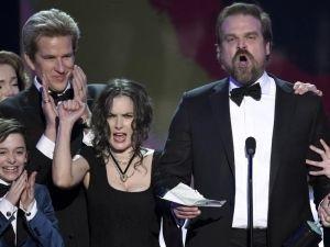 Caras de Winona Ryder protagonizan divertido momento en SAG Awards 2017 (FOTO+VIDEO)