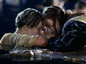 Director de 'Titanic' habla sobre la polémica muerte de 'Jack'