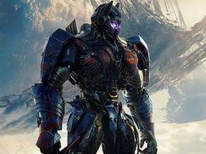 'Bumblebee' pelea contra 'Optimus Prime' en 'Transformers: El último caballero' (VIDEO)