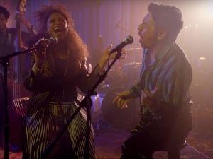 Eugenio Derbez sorprende con su talento musical junto a Jennifer Hudson (VIDEO)