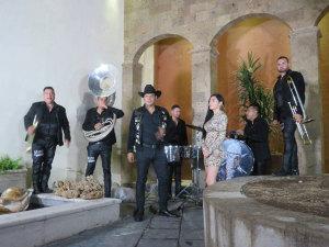 ¡Qué problemón! Banda Jerez, acusada por denigrar 'La Danza de los Viejitos'