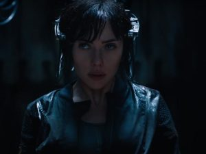 Scarlett Johansson corre un gran peligro en 'Ghost in the Shell' (VIDEO)