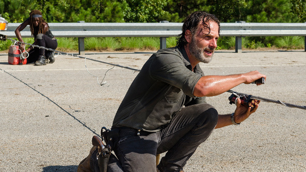 'The Walking Dead' muestra la matanza de zombies más grande (VIDEO)
