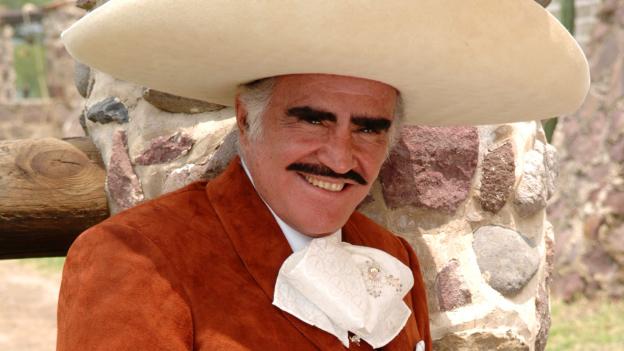 Vicente Fernández nuevamente lucha contra el cáncer
