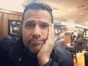 ¡Devastado! Marco Antonio Regil arrepentido tras muerte de su mamá (VIDEO)