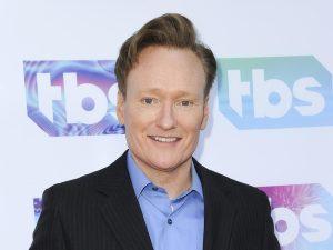 ¡'Conan O'Brien' se convierte en actor de 'Mi Adorable Maldición! (FOTO)