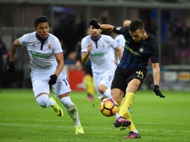 Fiorentina y Salcedo, a sacudirse rachas