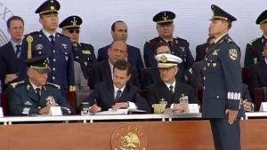 Peña Nieto encabeza la ceremonia del Día del Ejército Mexicano en Puebla