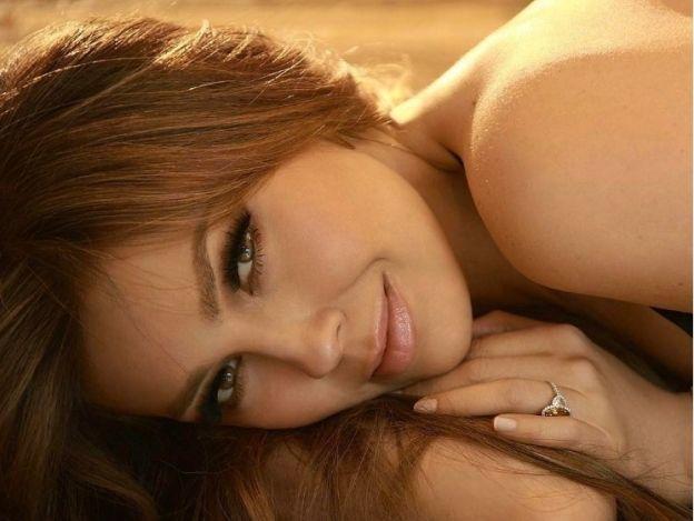 ¡Exhibicionista a morir! Thalía presume su cuerpo en ardiente foto