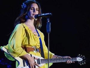 Lana del Rey te canta su nueva canción... ¡desde la luna!