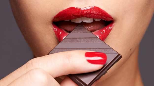 Juegos sexuales con chocolate