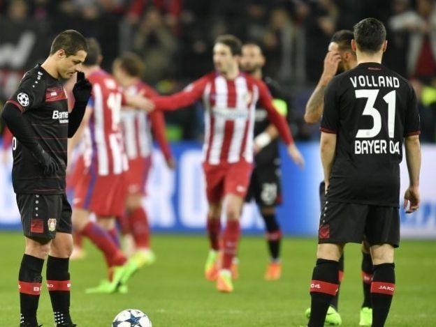 'Atleti' saca buen colchón ante Bayer y Chicharito