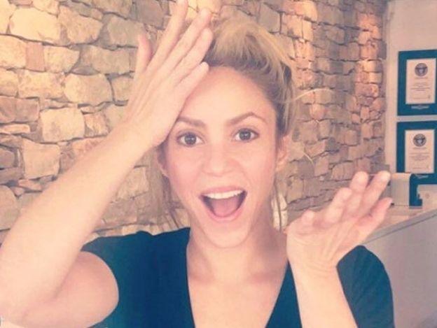 ¿Sia? ¿Gaga? Shakira muestra radical cambio de look... ¡Así la veremos! (FOTO)