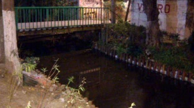 Dos hombres caen a un canal de Xochimilco; uno muere