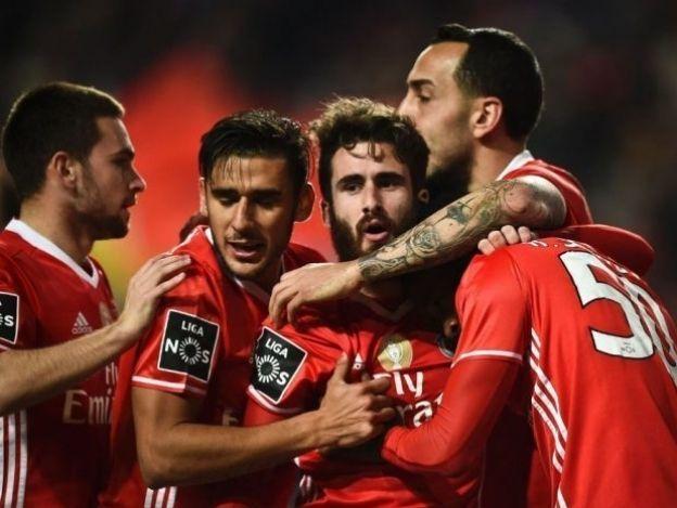 Benfica mantiene el liderato