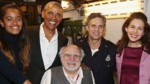 Obama y su hija sorprenden en Broadway; van a ver 'The Price'
