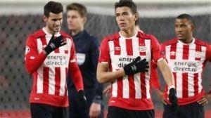 Guardado, Moreno y PSV, prácticamente renuncian al título