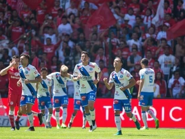Camotes servidos en bombonera. Toluca 1-3 Puebla