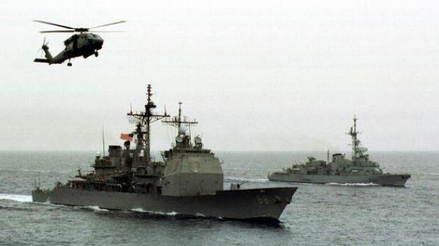 Irán realiza maniobras navales