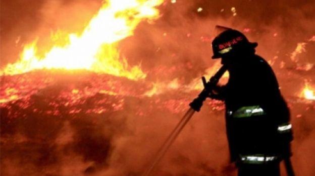 Controlan incendio forestal en la carretera México-Cuernavaca