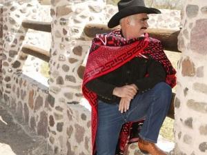 Vicente Fernández responde a rumores de su muerte por problemas de salud