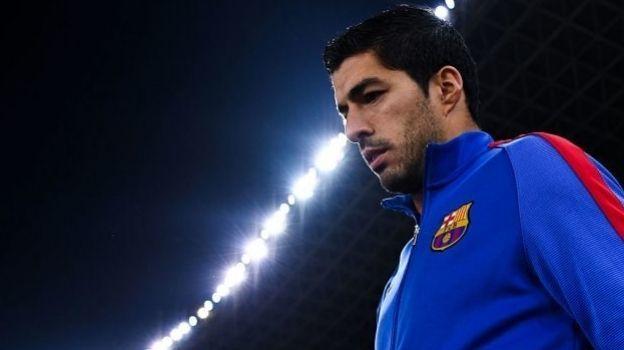 Luis Suárez se lesiona durante el entrenamiento de este jueves; ya era baja para la Final de la Copa del Rey por sanción