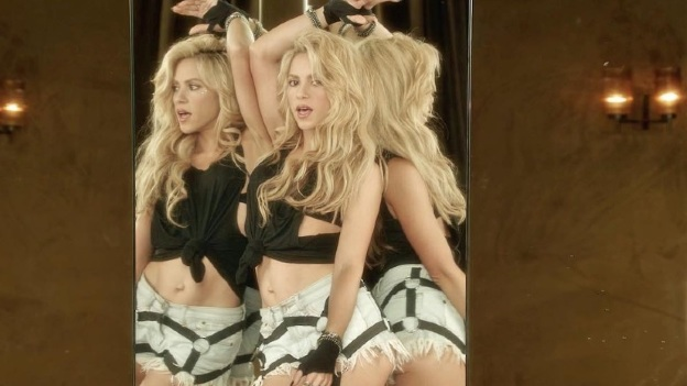 Shakira baila bachata con vestido bien corto