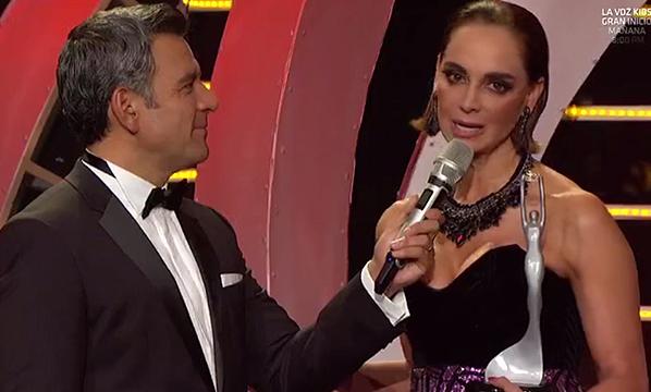 VIDEO: ¡Lupita Jones recibe reconocimiento, conmovida, en Nuestra Belleza México 2017!