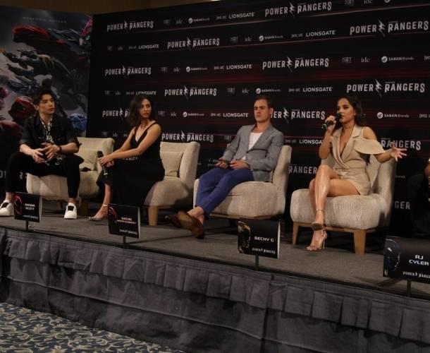 El elenco de 'Power Rangers' está de visita en México