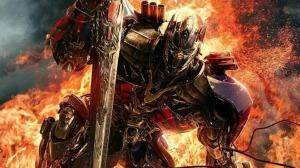 Transformers: El Último Caballero presenta nueva protagonista y mucha acción (VIDEO)