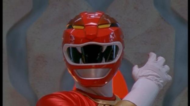 ¡Asesino! Power Ranger rojo mató a su amigo con una espada
