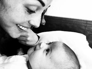 ¡Igualita a mamá! Zuria Vega presume la belleza de su hija (FOTOS)