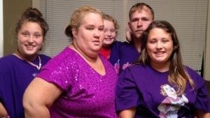 ¿Es ella? Mamá de Honey Boo Boo sufre cambio radical  (VIDEO)