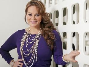 Jenni Rivera revive nuevamente para cantar con sus hijas en holograma (video)