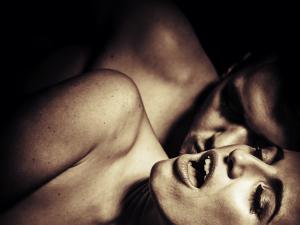 ¿Por qué son falsos los gemidos de una mujer durante el acto sexual?