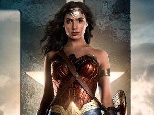 Mujer Maravilla visitará México y protagoniza póster de Liga de la Justicia