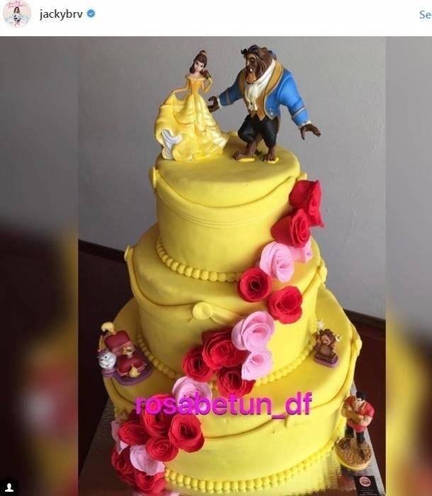Jacqueline Bracamontes festejó el cumpleaños de su hija