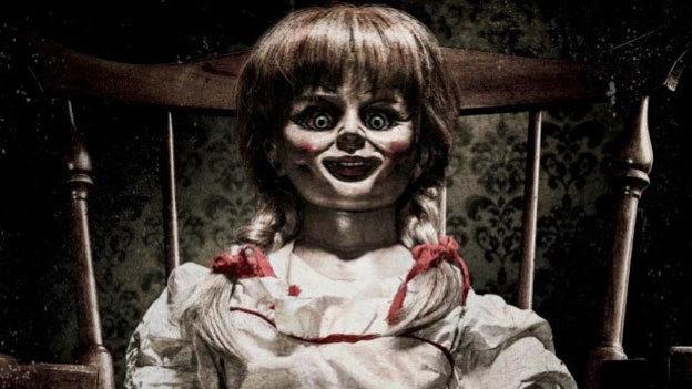 ¡Está diabólica! Mira el aterrador póster de 'Annabelle 2: La Creación'