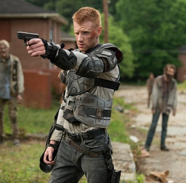 Actor de 'The Walking Dead' sale del clóset