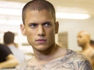 ¡Increíble! Fanático de Prison Break gana el tatuaje de Scofield (FOTOS)